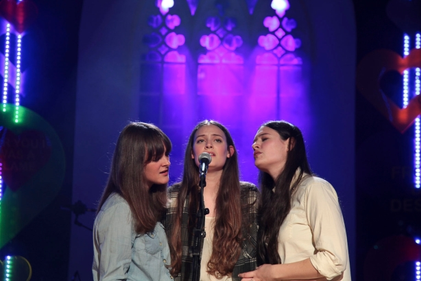 OV11 - The Staves in St. James' Church